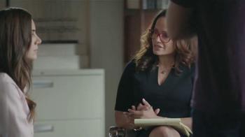 Old Navy TV Spot, 'Terapia de Parejas' Con Judy Reyes [Spanish] - Thumbnail 2