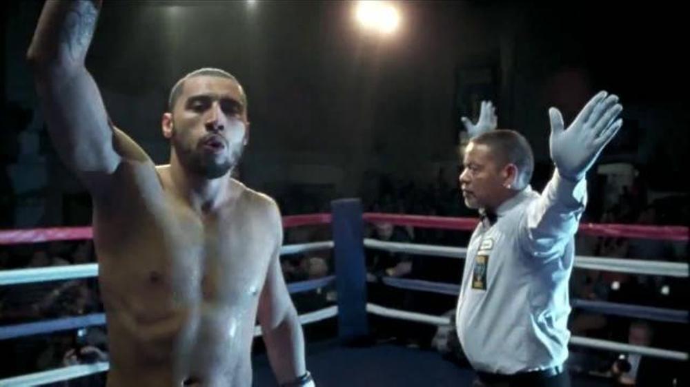 Modelo Especial TV Commercial, 'Boxeadores'