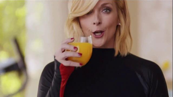 Tropicana Trop50 TV Spot, 'My Trainer' Featuring Jane Krakowski - Thumbnail 7