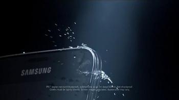 Samsung Galaxy S5 TV Spot, 'Designed to Make a Splash' - Thumbnail 2