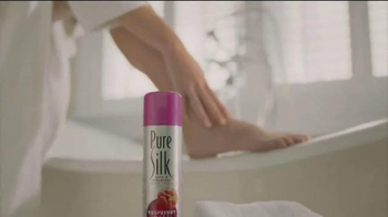Barbasol and Pure Silk TV Spot, 'For Him and Her' - Thumbnail 9