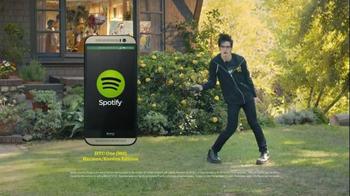 Sprint Framily Plan TV Spot, 'DJ Chuck/HTC One Harman/Kardon' - Thumbnail 10