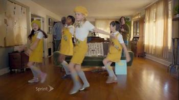 Sprint Framily Plan TV Spot, 'DJ Chuck/HTC One Harman/Kardon' - Thumbnail 5