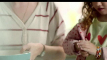 Country Crock TV Spot, 'Family Baking' - Thumbnail 5
