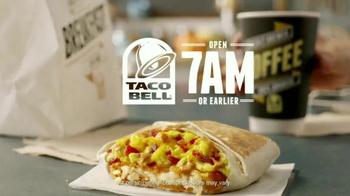 Taco Bell A.M. Crunchwrap TV Spot, 'One-Handed Breakfast' - Thumbnail 10