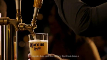 Corona Light TV Spot, 'Bar Epiphany' - Thumbnail 7