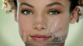Simple TV Spot, 'City Skin Range' - Thumbnail 5