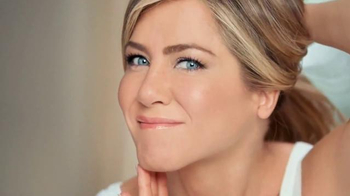 Aveeno Positively Radiant Tone Corrector TV Spot Featuring Jennifer Aniston - Thumbnail 6