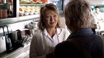 Hallmark TV Spot, 'Aunt Trudy' - Thumbnail 4