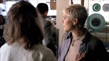 Hallmark TV Spot, 'Aunt Trudy' - Thumbnail 5