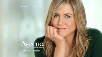 Aveeno Positively Radiant TV Spot Con Jennifer Aniston [Spanish] - Thumbnail 8