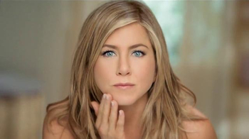 Aveeno Positively Radiant TV Spot Con Jennifer Aniston [Spanish] - Thumbnail 2