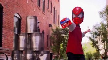 The Amazing Spider-Man 2 Mask and Web Blaster TV Spot, 'Gear Up' - Thumbnail 2