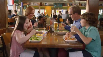 Applebee's Taste of Summer TV Spot, 'Speed Boat' - Thumbnail 4