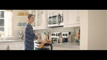 h.h. gregg TV Spot, 'Cardboard Home' - Thumbnail 6