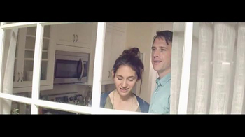 h.h. gregg TV Spot, 'Cardboard Home' - Thumbnail 7