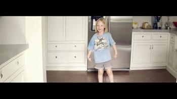 h.h. gregg TV Spot, 'Cardboard Home' - Thumbnail 9