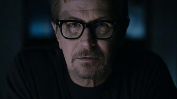 HTC One (M8) TV Spot, 'Power of Suggestion' Featuring Gary Oldman - Thumbnail 4