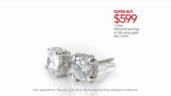 Macy's TV Spot, 'Mother's Day Necklace' - Thumbnail 5