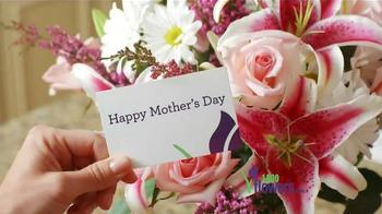 1-800-FLOWERS.COM TV Spot, 'Send Mom a Smile' - Thumbnail 4