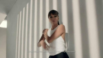 L'Oreal Paris Quick Dry Sunscreen Spray TV Spot Featuring Eva Longoria - Thumbnail 5