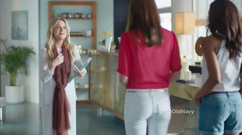 Old Navy Crops & Shorts TV Spot Featuring Amy Poehler - Thumbnail 5