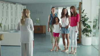 Old Navy Crops & Shorts TV Spot Featuring Amy Poehler - Thumbnail 6