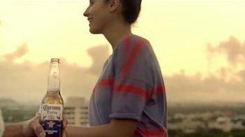 Corona Extra TV Spot, 'Es Verano' [Spanish] - Thumbnail 9