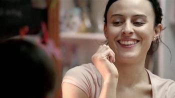 Huggies Natural Care Triple Clean TV Spot, 'Avioncito' [Spanish] - Thumbnail 5