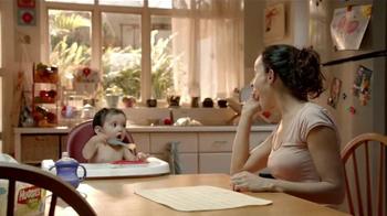 Huggies Natural Care Triple Clean TV Spot, 'Avioncito' [Spanish] - Thumbnail 6