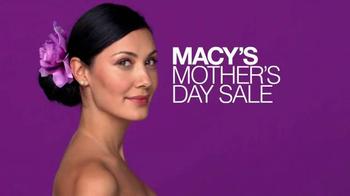 Macy's Mother's Day Sale TV Spot - Thumbnail 10