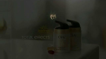 Olay Total Effects TV Spot Featuring Hillary Fogelson - Thumbnail 10