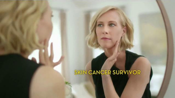 Olay Total Effects TV Spot Featuring Hillary Fogelson - Thumbnail 3