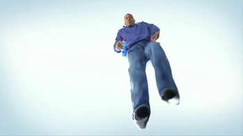 Gold Bond Foot Powder Spray TV Spot, 'Happy Feet' Feat. Shaquille O'Neal - Thumbnail 4
