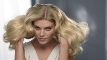 John Frieda Sheer Blonde Everlasting Blonde TV Spot, 'Daring' - Thumbnail 3