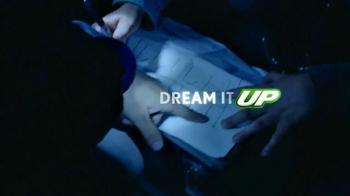 7UP TV Spot, 'Light It Up' - Thumbnail 2
