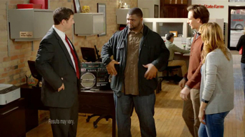 State Farm TV Spot, 'Raji Dance' Featuring B.J. Raji and Aaron Rodgers - Thumbnail 2