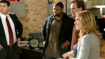 State Farm TV Spot, 'Raji Dance' Featuring B.J. Raji and Aaron Rodgers - Thumbnail 8