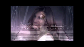 Lancôme TV Spot, 'La Vie Est Belle' Featuring Julia Roberts - Thumbnail 10