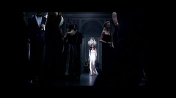 Lancôme TV Spot, 'La Vie Est Belle' Featuring Julia Roberts - Thumbnail 3