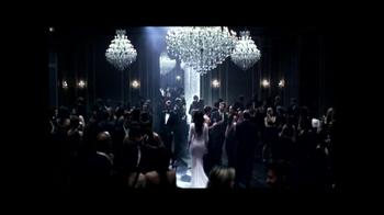 Lancôme TV Spot, 'La Vie Est Belle' Featuring Julia Roberts - Thumbnail 4