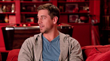 Pizza Hut Big Dinner Box TV Spot, 'Man Cave' Featuring Aaron Rodgers - Thumbnail 2