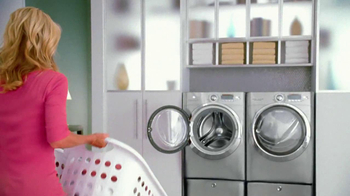 Electrolux Steam Washer TV Spot, 'Laundry Day' Featuring Kelly Ripa - Thumbnail 4