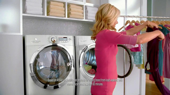 Electrolux Steam Washer TV Spot, 'Laundry Day' Featuring Kelly Ripa - Thumbnail 7