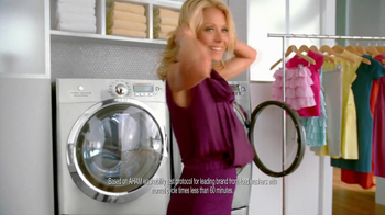 Electrolux Steam Washer TV Spot featuring Kelly Ripa - Thumbnail 7