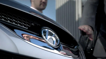 Hyundai TV Spot for University of Pittsburgh Panther Nose Rub - Thumbnail 6