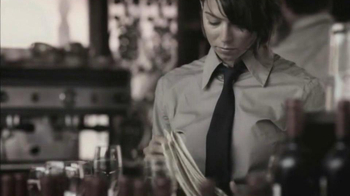 Bio Oil TV Spot, 'Restaurant Server'