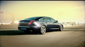 Jaguar TV Spot 'Surrounded by Beauty'  - Thumbnail 6
