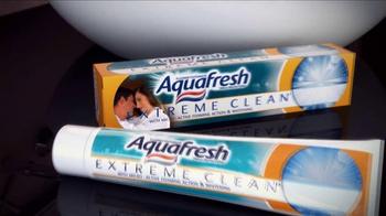 AquaFresh Extreme Clean TV Spot, 'Like Nothing Else' - Thumbnail 10