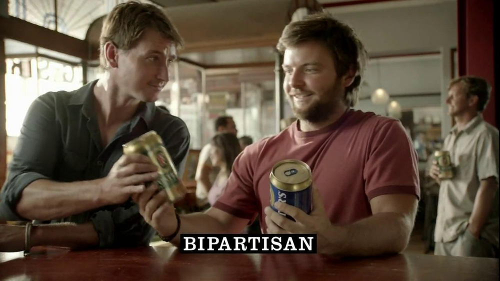 Fosters Beer TV Commercial, 'Bipartisan'